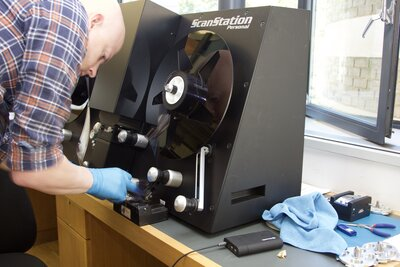 Film scanner